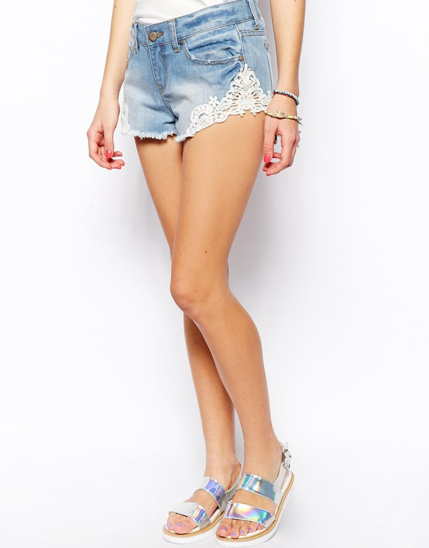 Asos - Short en jean(43 €)
