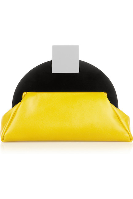 Finds - Pochette en cuir (414 €)