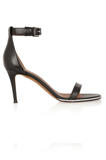 Givenchy - Sandales (550 €)