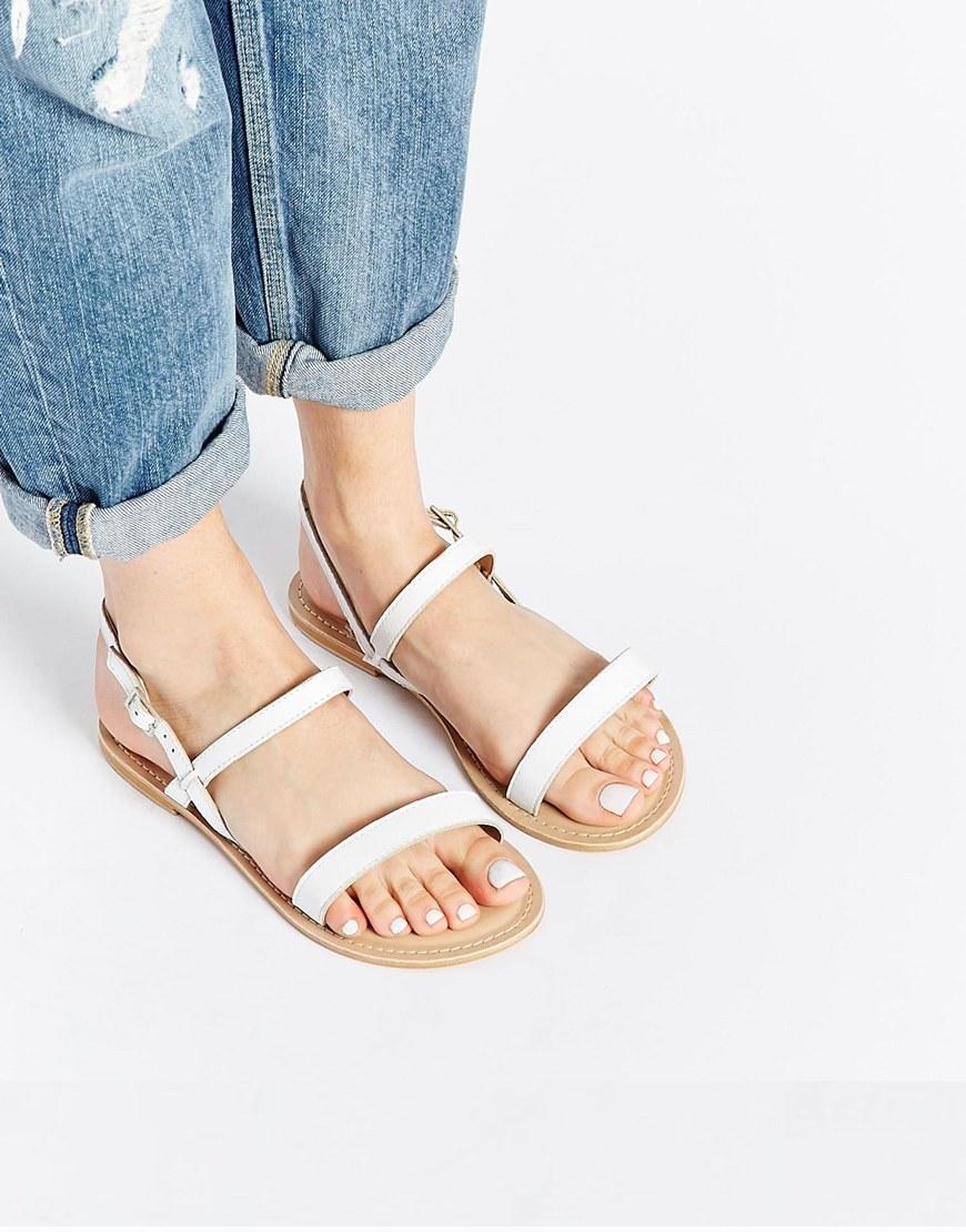 Asos - sandales (22€)