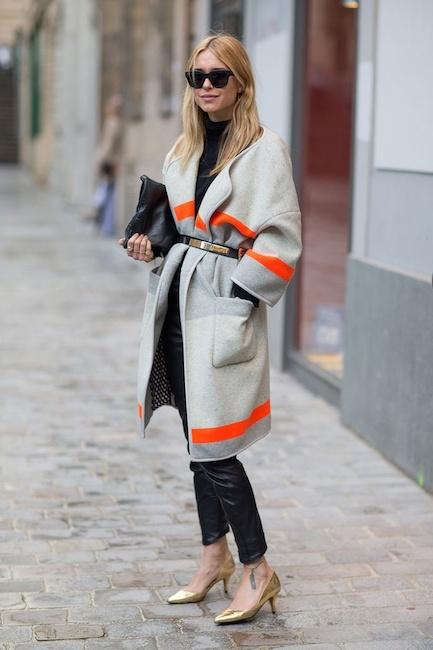 Quand vous portez un manteau d\'hiver bien épais, rien de mieux qu\'une ceinture pour marquer la taille et rendre l\'ensemble plus harmonieux. crédit photo : Look de Pernille