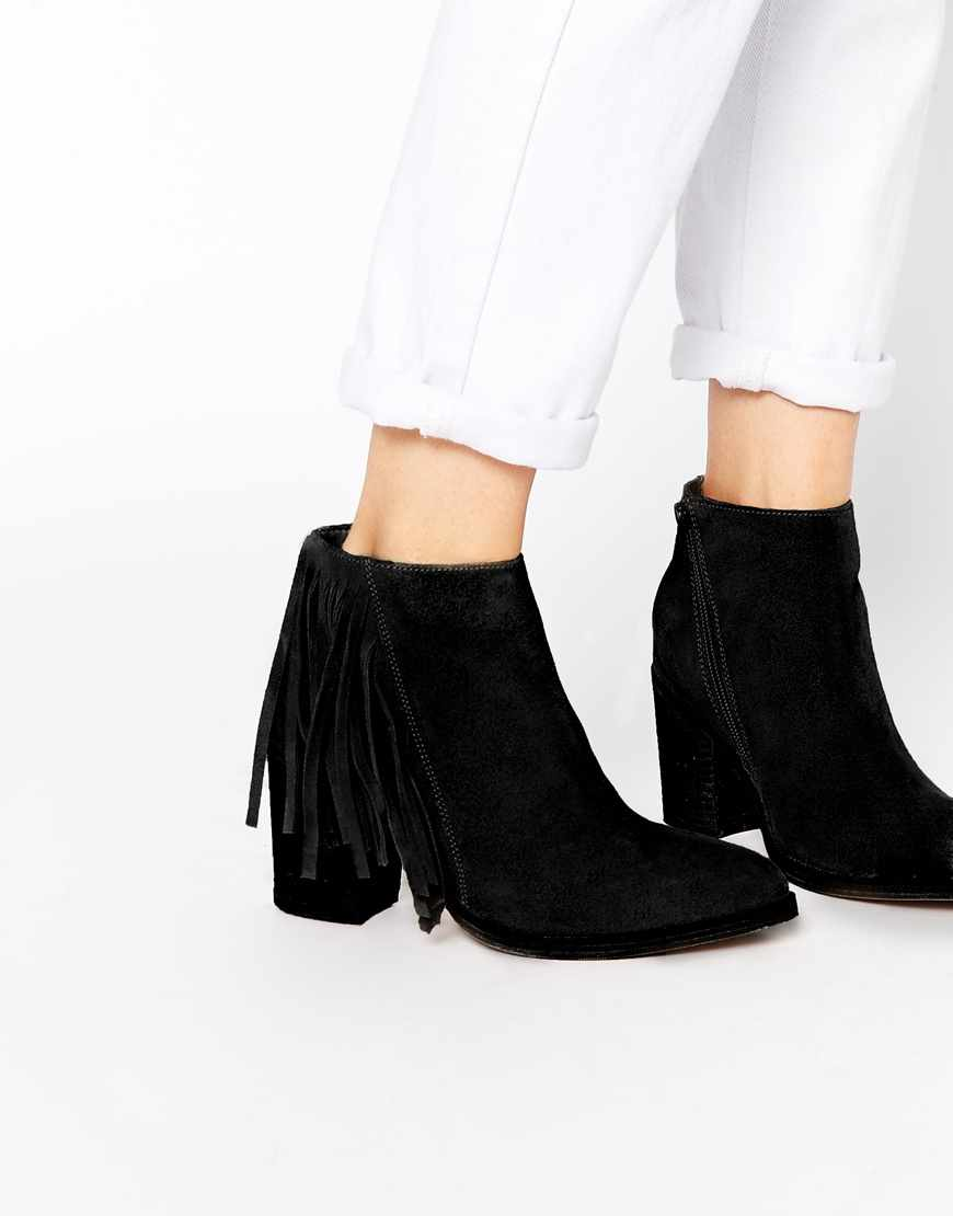 Asos - bottines (70€)
