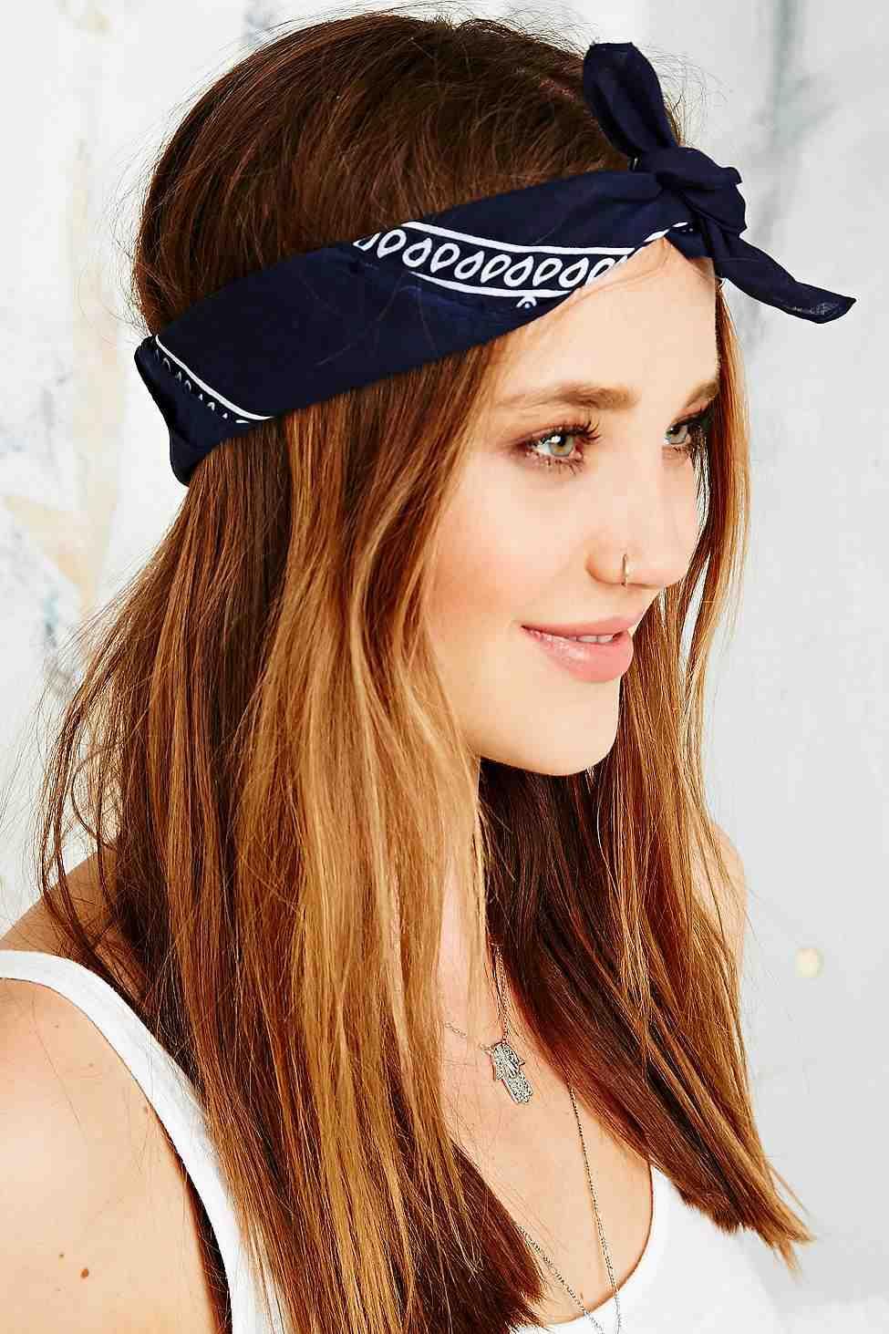 Urban Outfitters - bandana (9€)