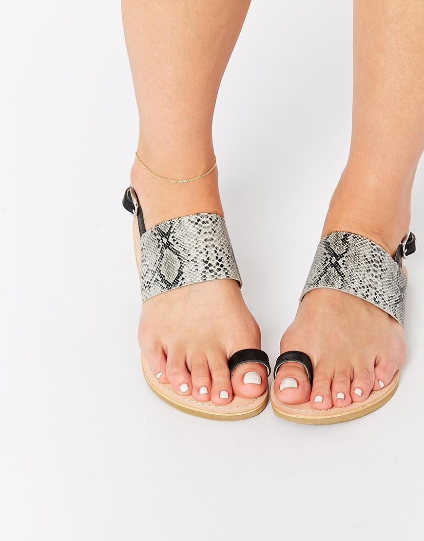 Asos - sandales (30€)