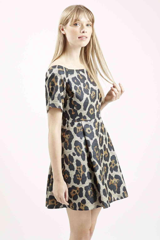 Topshop - robe (53€ au lieu de 102€)