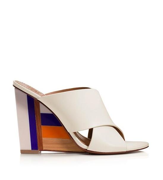 ToryBurch - sandales compensées (385€)