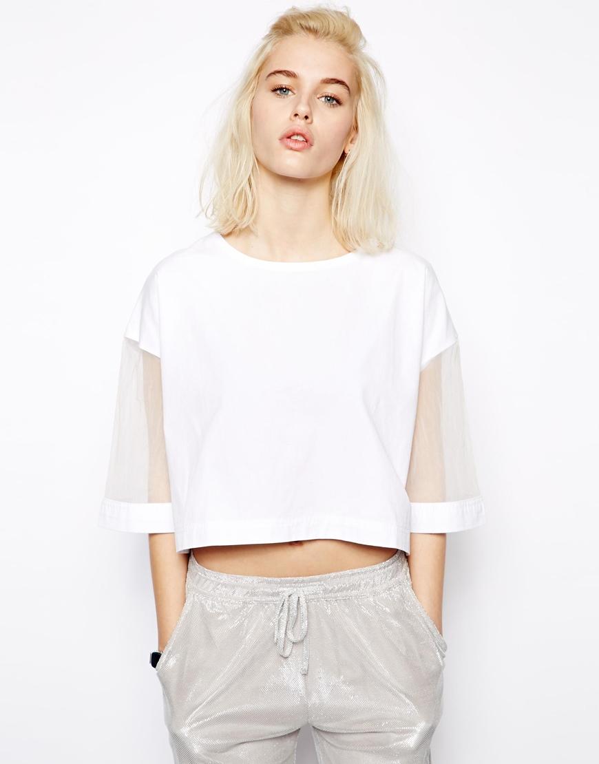 Pippa Lynn - T-shirt coupe carrée luxe avec manches en organza (67 €)