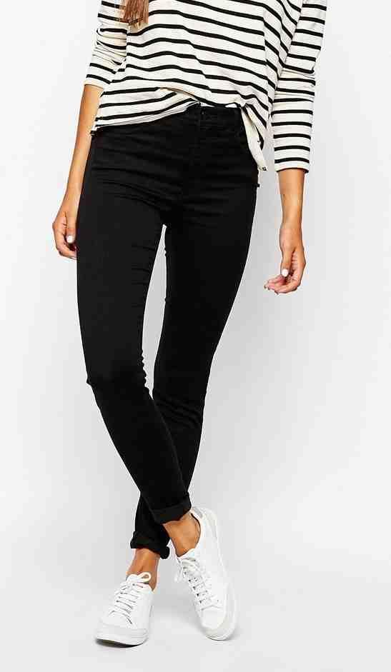 Monki - jeans (42€)